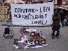 docs/photos/20030306-Manif_anti_LEN/thumbnails/20040306-Bareusai-banderole_n_sculpture-1.jpg