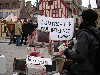 docs/photos/20030306-Manif_anti_LEN/20040306-Bareusai-sculpture-4.jpg